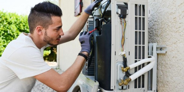 Habilitation électrique : quels sont les agréments obligatoires que doit avoir votre technicien ?